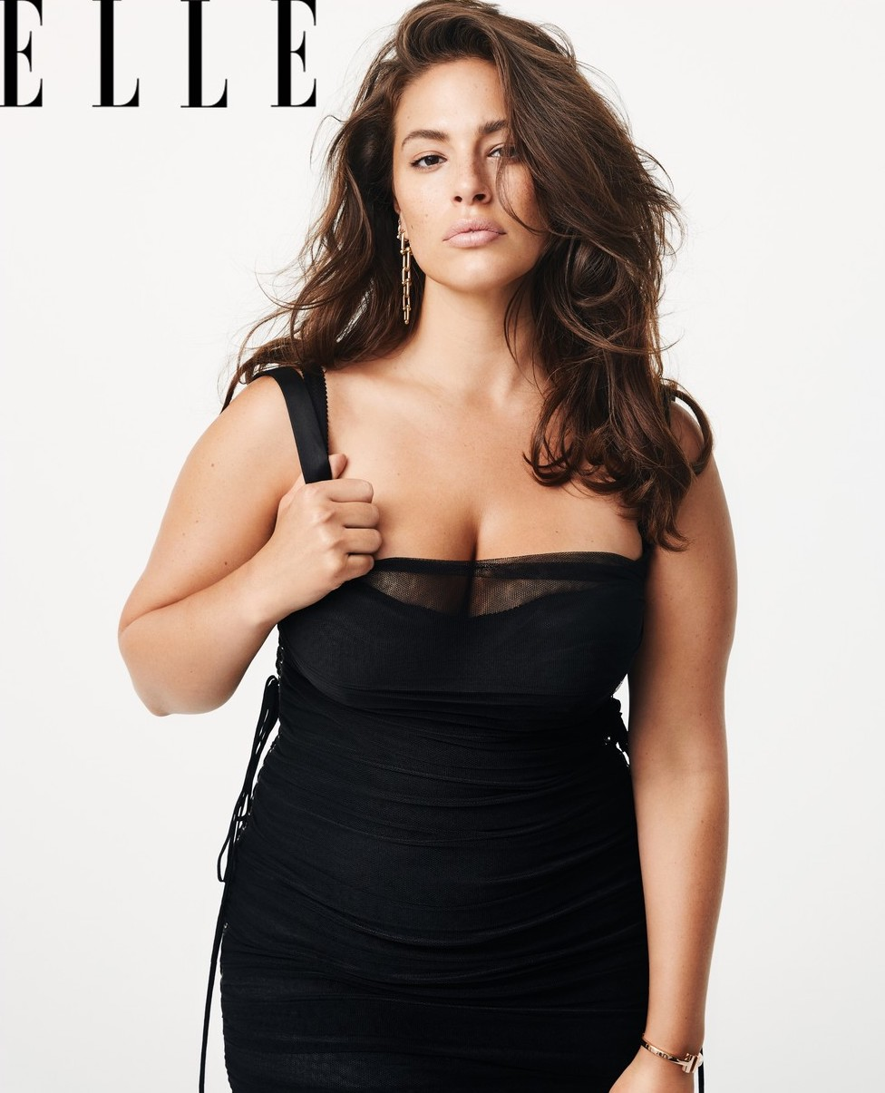 Ashley Graham sexy cleavage