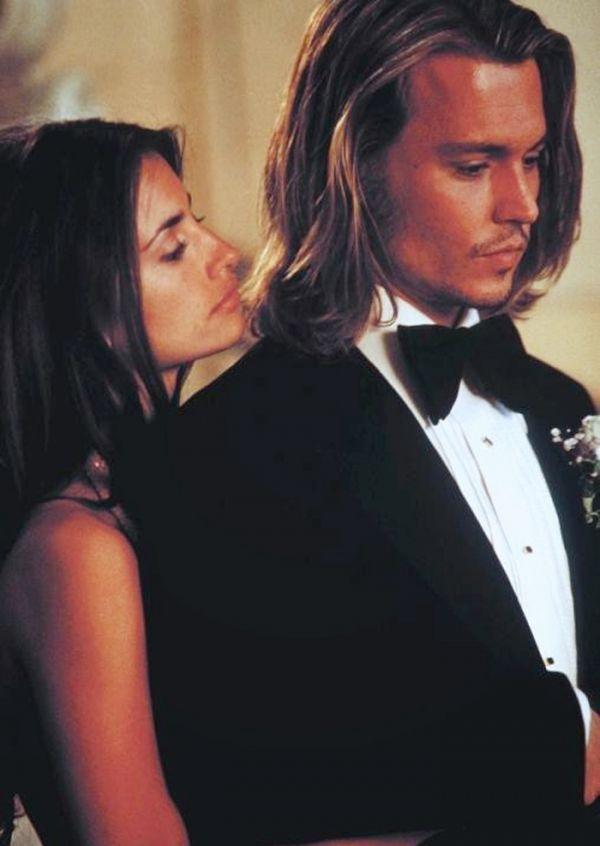 Penelope Cruz Defends Johnny Depp